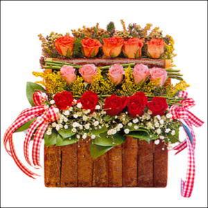 sandikta 3 kat güllerden   Edirne online çiçekçi , çiçek siparişi