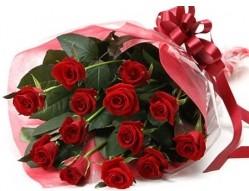 Edirne çiçek gönderme sitemiz güvenlidir  10 adet kipkirmizi güllerden buket tanzimi