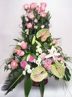 Edirne uluslararası çiçek gönderme  özel üstü süper aranjman