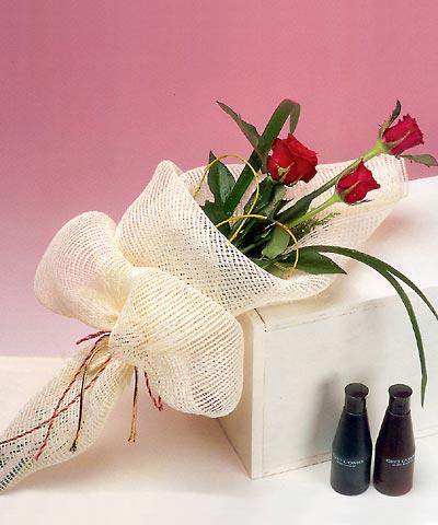 3 adet kalite gül sade ve sik halde bir tanzim  Edirne çiçek mağazası , çiçekçi adresleri