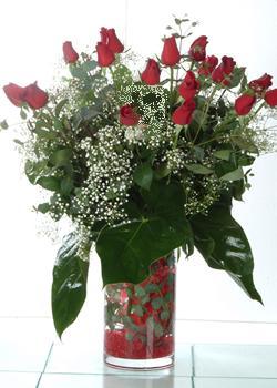Edirne ucuz çiçek gönder  11 adet kirmizi gül ve cam yada mika vazo tanzim