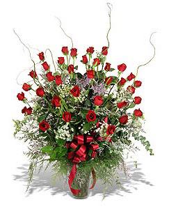 Edirne hediye sevgilime hediye çiçek  33 adet kirmizi gül vazo içerisinde