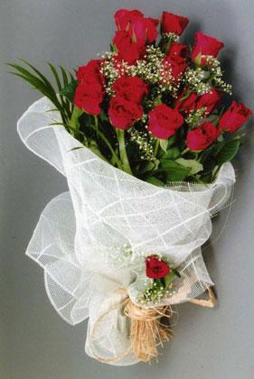 10 adet kirmizi güllerden buket çiçegi  Edirne hediye çiçek yolla