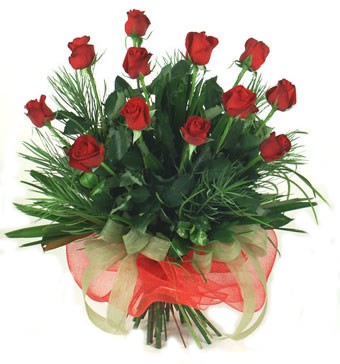 Çiçek yolla 12 adet kirmizi gül buketi  Edirne ucuz çiçek gönder