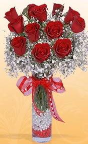 10 adet kirmizi gülden vazo tanzimi  Edirne hediye sevgilime hediye çiçek