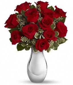Edirne kaliteli taze ve ucuz çiçekler   vazo içerisinde 11 adet kırmızı gül tanzimi