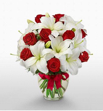Edirne 14 şubat sevgililer günü çiçek  1 dal kazablanka 11 adet kırmızı gül vazosu